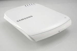 Image118 300x198 SE 208BW   The New Portable Optical Disk Drive From Samsung!