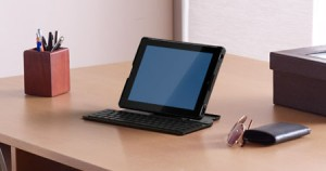 Image33 300x158 New Logitech Fold Up Keyboard And Joystick For Your iPad And iPad 2!