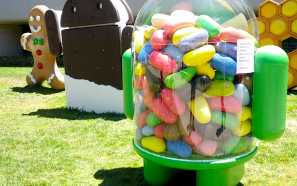 image 15 Jelly Bean Statue Arrived at Googles Android Garden!